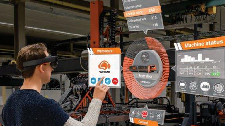 Mixed Reality Experience at Smart Manufacturing Experience